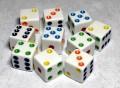 10d6 pöttyös tömör fehér színes pöttyökkel / 10d6 Spot Solid White w/ Color Spots 16mm Square Corner