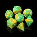 D&D DOBÓKOCKAKÉSZLET gyöngyház sárga-zöld / DICE SET Dual Color Pearl Yellow/Green (7)
