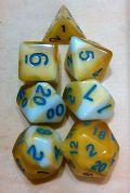 D&D DOBÓKOCKAKÉSZLET sárga-fehér / DICE SET Dual Color Yellow/White (7)