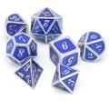 D&D DOBÓKOCKAKÉSZLET FÉM keretes ezüst kékkel / METAL DICE SET Framed Silver with Blue (7)